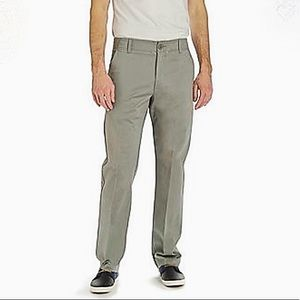 Lee Extreme Comfort Straight Fit Khakis